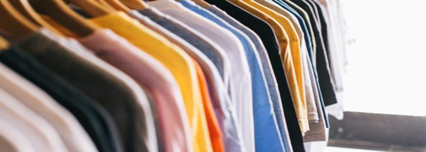 Trucos para eliminar el olor a humedad en la ropa - Brillocor