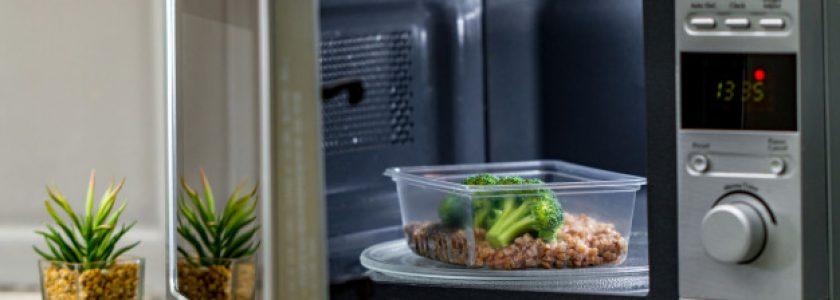 ¿Cómo limpiar, desinfectar y desodorizar nuestro microondas? - Brillocor